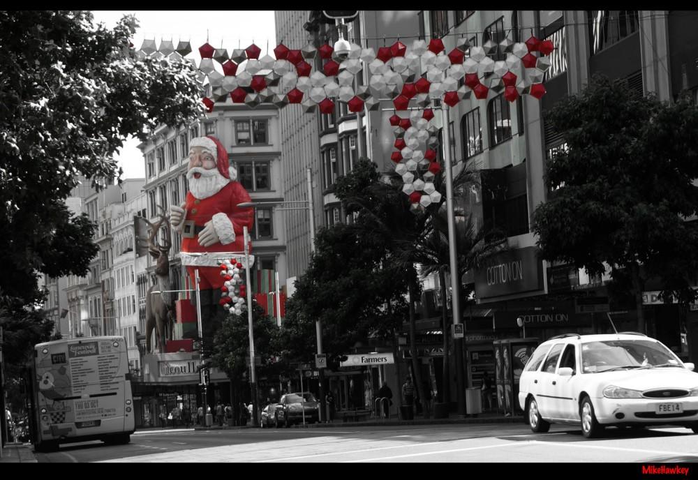 Santa on Queen 2