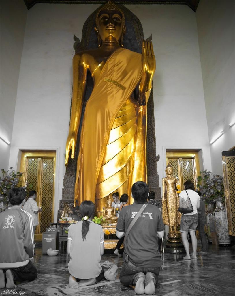 Standing Budda